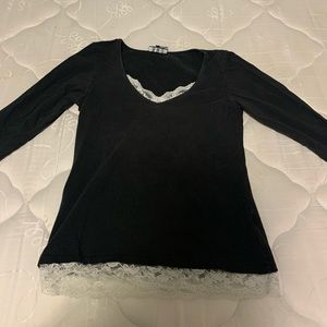 Long sleeved soft black top w white lace accents